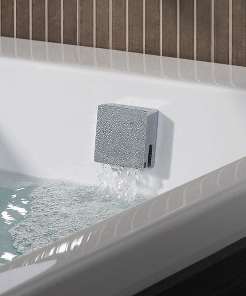 Additional image of Roper Rhodes Square Smartflow Bath Filler