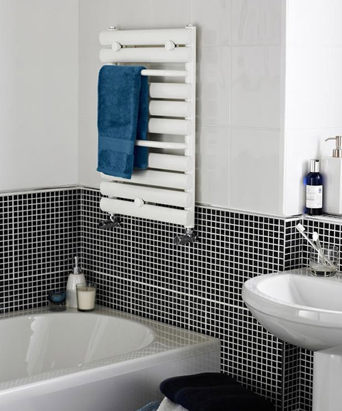 Additional image of Lauren 445 x 650mm White Straight Heated Towel Rail