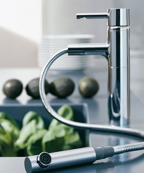 grohe essence sink mixer tap with pull out mousseur chrome. Black Bedroom Furniture Sets. Home Design Ideas