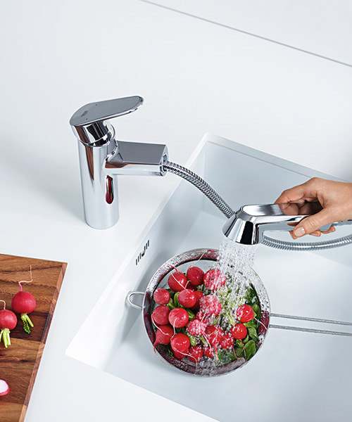 Additional image of Grohe Europlus Low Spout Sink Mixer Tap With Pull Out Spray Chrome