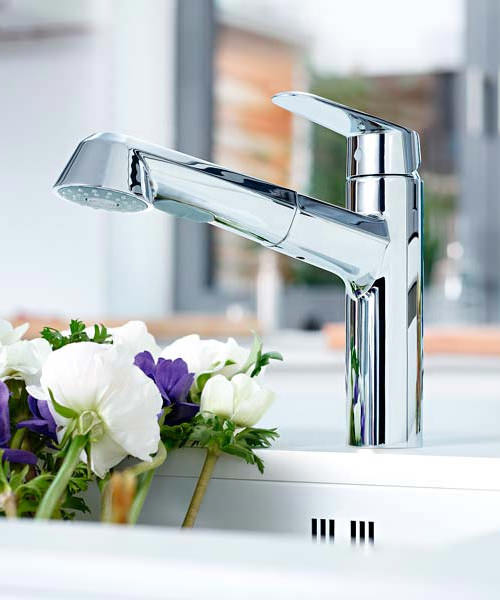 Additional image of Grohe Eurodisc Low Spout Cosmopolitan Tap With Pull Out Spray Chrome