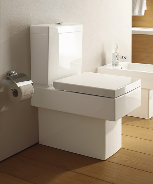 Additional image of Duravit Vero Close Coupled Toilet And Cistern With Seat And Cover