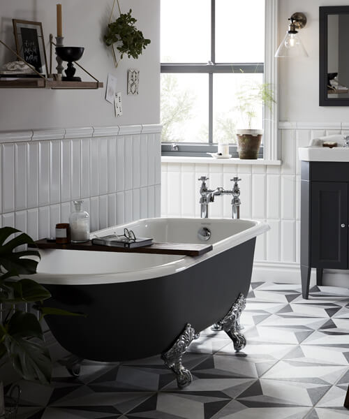 Additional image of Heritage Essex 2 Taphole Cast Iron Bath With Feet 1700 x 770mm